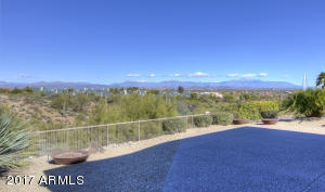 Fantastic Four Peaks and Fountain View from your rear patio!