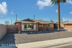 8225 E PICCADILLY Road, Scottsdale, AZ 85251