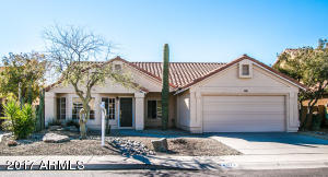 Single-story home in Cave Creek