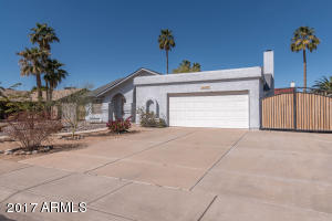 8002 W Windrose Drive, Peoria, AZ 85381