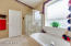 Master bath w/seperate tub/shower.