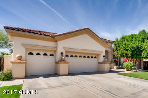 Property for sale at 337 W Louis Way, Tempe,  Arizona 85284