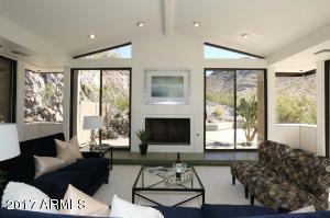 2318 E ORANGEWOOD Avenue, Phoenix, AZ 85020