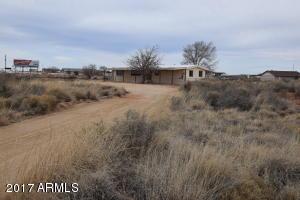 1901 MOUNTAIN Drive, Winslow, AZ 86047