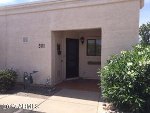 Nice 2BR/1BA condo with covered parking and great views