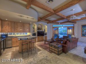 6815 N 46th Street, Paradise Valley, AZ 85253