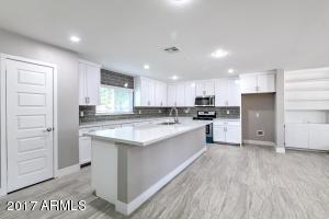 724 W 6TH Avenue, Mesa, AZ 85210