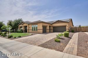 18046 W TURNEY Avenue, Goodyear, AZ 85395