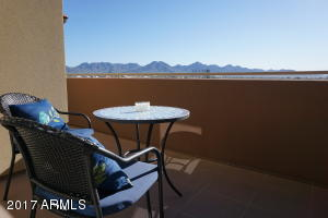 See Scottsdale Quarter, Kierland Commons & some of Scottsdale's hottest destinations from your balcony.