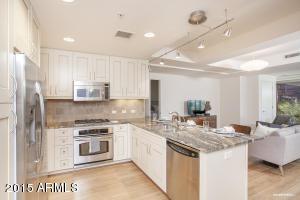 Property for sale at 7137 E Rancho Vista Drive Unit: 4002, Scottsdale,  Arizona 85251