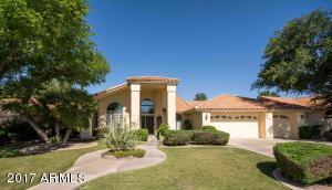 Nice home in Warner Ranch Estates with 3-car garage