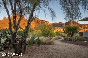 5921 N ECHO CANYON Lane, Phoenix, AZ 85018