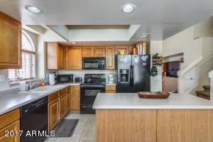 11020 W HAYWARD Avenue, Glendale, AZ 85307