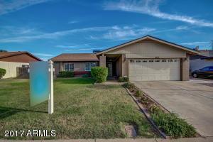 6633 W MERCER Lane, Glendale, AZ 85304