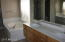 MASTER TUB AND DOUBLE SINKS
