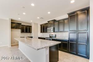 16894 W WOODLANDS Avenue, Goodyear, AZ 85338