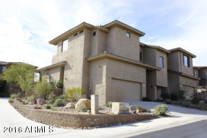 End Unit Close to the Pool & Spa