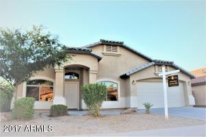 Formal living and dining room plus spacious family room and kitchen with huge walk-in pantry. 4 bedrooms and 2 baths.