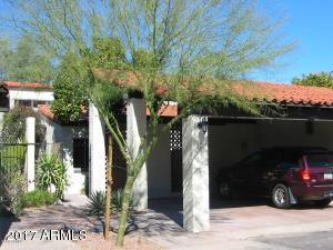 6 Loma Lane - private carport