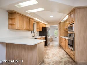 Brand new stainless steal appliances, quartz counters and kitchen sink.