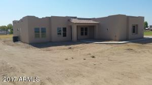 Spec home on 1 irrigated acre of Horse property