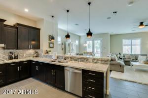 Great kitchen layout to entertain!