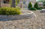 Touches of elegance in the hardscaping