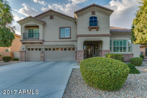 Welcome to your new home in Palm Valley!