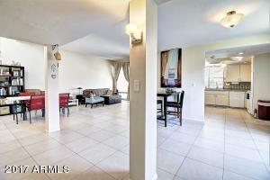 5471 N 77  Street Scottsdale, AZ 85250