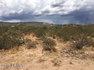 100 W County Road, 1, New River, AZ 85087