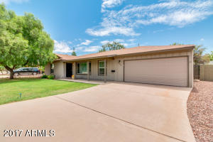 8055 E WINDSOR Avenue, Scottsdale, AZ 85257