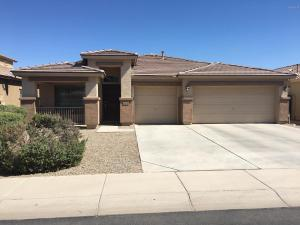 Sweet single level home w 3 car Garage..