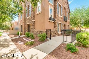 2774 S BALSAM Drive, Gilbert, AZ 85295