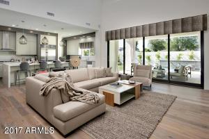 3915 E Mitchell Drive, Phoenix, AZ 85018