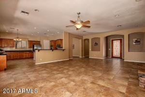 7105 S CHAMPAGNE Way, Gilbert, AZ 85298