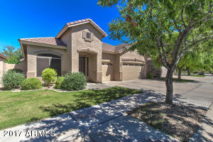 Beautiful 3 BR, 2 BA home w/private pool on golf course