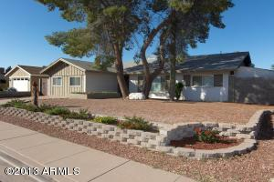 In a great neighborhood right near old town, right near highway 101 PERFECT LOCATION!