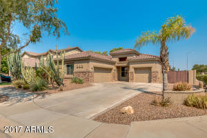 Property for sale at 402 W Pelican Drive, Chandler,  AZ 85286