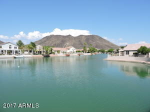 Exclusive Arrowhead Lakes Community