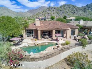 Gorgeous backyard with mountain views GALORE!!!!