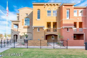 Popular Giorgio model offers homeowner luxury living in the up and coming Gilbert downtown area.