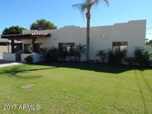 Beautiful Remodeled Territorial right in the middle of the Arcadia Area.