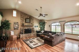 1650 E Twin Acres Drive, Chandler, AZ 85286