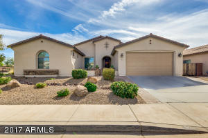 621 W Basswood Avenue, San Tan Valley, AZ 85140