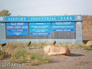100 W Wright Brothers Way, Winslow, AZ 86047
