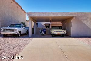Impeccably maintained patio home in Mesa.