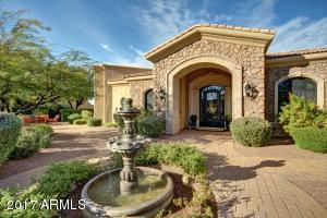 CANTERA STONE ENTRY SURROUNDS THE FRONT DOOR ENTRY!