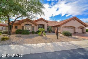 Welcome home to this lovely Scottsdale floor plan with a full 3-car garage!