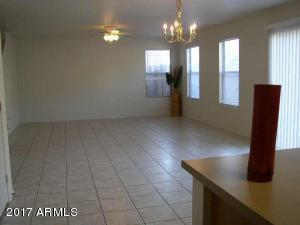Excellent Mesa subdivision of Skyline Community is home to this beautiful property. This two level home boasts 3 large bedrooms with 2.5 bathrooms. All the bedrooms and a loft are located on the top floor. Home is newly painted and has new flooring throughout. This home is ideally located closed to shopping, schools, restaurants and have easy access to the the loop 202 and the 60 freeway.
