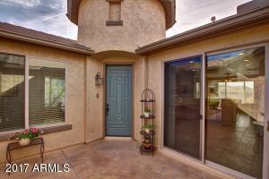 1213 W CUTLEAF Circle, San Tan Valley, AZ 85143